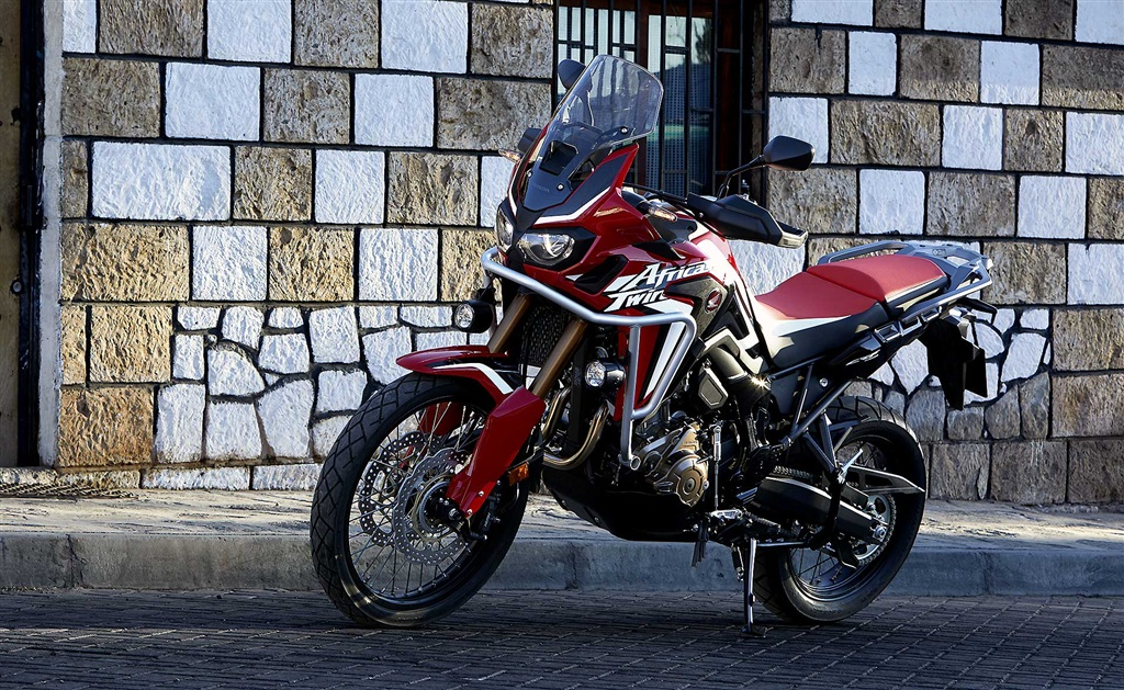 honda crf1000l africa twin 2018 una versi b sica. Black Bedroom Furniture Sets. Home Design Ideas