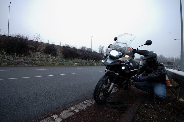 Com combatre el fred de l'hivern en moto?