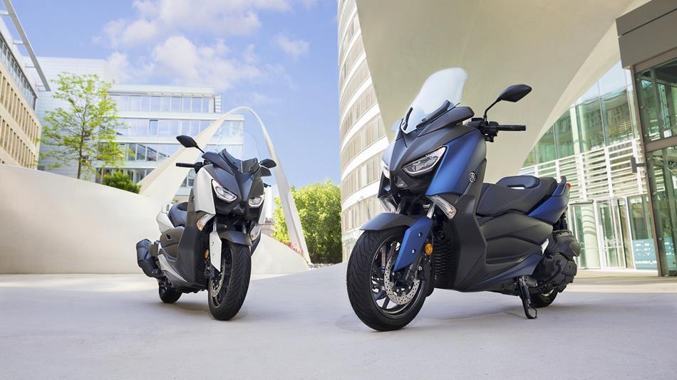 Yamaha X-Max 400 blau i plata
