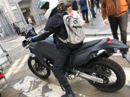 Fotografia Yamaha Ténéré 700 cortesia de Moto.it