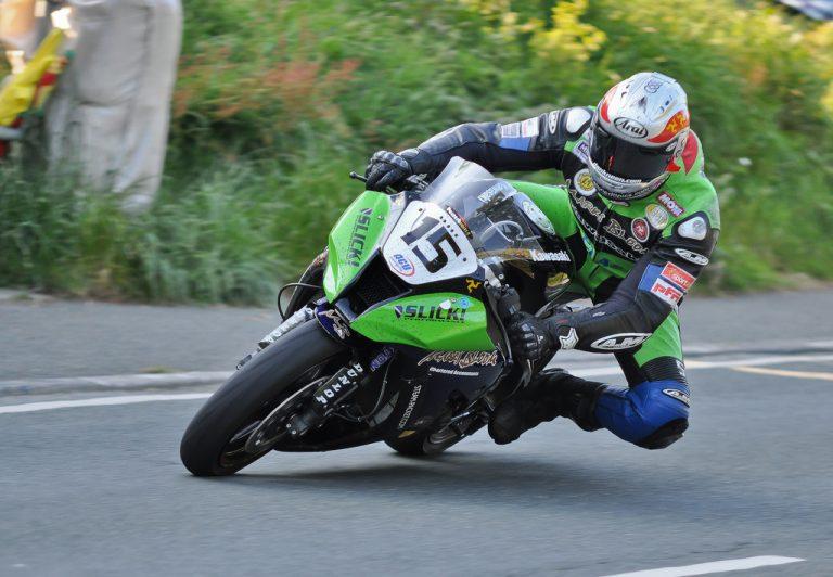 L'adéu a un Dan Kneen que ho va donar tot en una de les competicions de motociclisme més ferotges