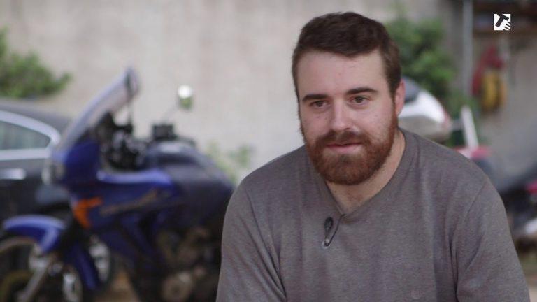 VIDEO – El testimoni de Nils Manté, un motorista que va patir un accident de moto anys enrere