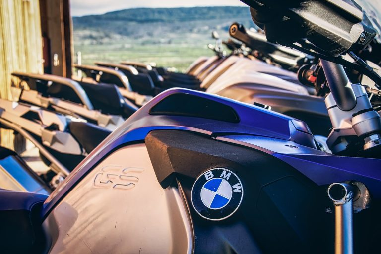 Més electrònica, més CV i més diners per les motos